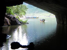 vietnam motorcycle tours phong nha cave adventure 1 280x210